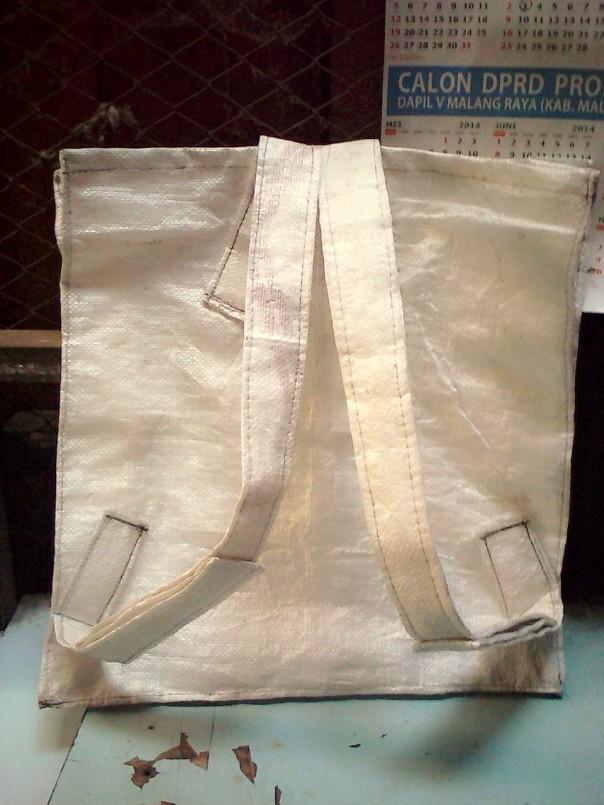 Contoh model tas yang digunakan dalam kegiatan PPS nanti - untuk ukuran disesuaikan dengan ukuran bentuk tubuh masing-masing dan harus sesuai contoh gambar